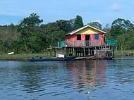 Habitação nas margens do Rio Negro