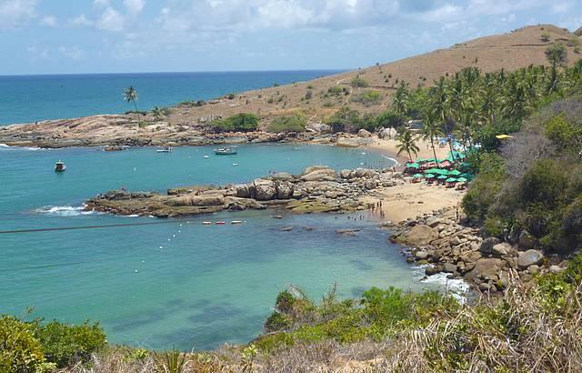 Vista da praia de Calhetas