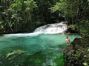 Cachoeira do Formiga: Cores e cenários alucinantes!<br>