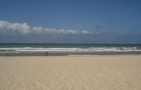 Porto das Dunas - Tarde na praia em frente ao Beach Park