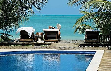 Circulando pelo Litoral Norte de Alagoas - Praia, piscina, livro e cenário encantador em Porto de Pedras (AL)