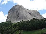 Vista da Pedra Azul pela trilha do Largato.