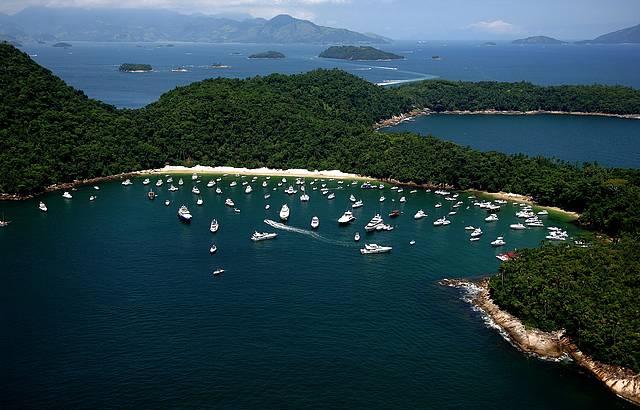 Uma das mais concorridas e bonitas do arquipélago