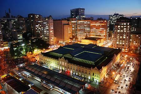 Mercado Público - Bela construção impera na paisagem