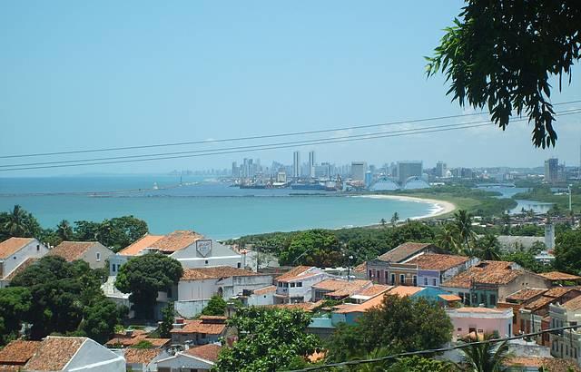 Vista de Olinda com Recife ao fundo