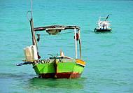 Barcos na praia de Pajuçara, belíssimo colorido !