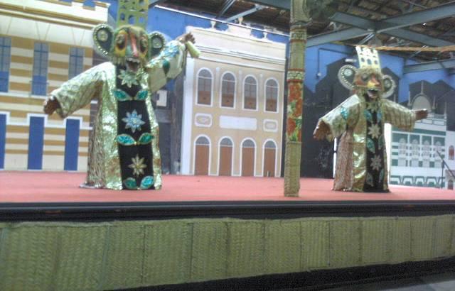 Algumas peças do artesanato e da cultura maranhense expostas aos turistas