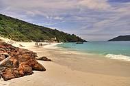 Mais uma das belas praias de Arraial do Cabo