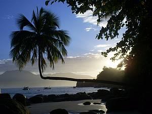 Praia do Aventureiro: Cenário é pura perfeição!<br>