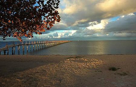 Praia do Laranjal - Lagoa dos Patos foma aconchegantes recantos