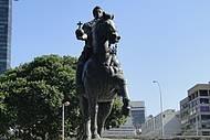 Localizada na Praça XV de Novembro