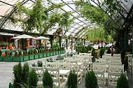 Belo e animado espaço reúne cafés e restaurantes