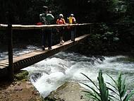 Trilha para a Caverna do Morro Preto - parada para se refrescar