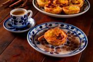 Pasteis de Belém são perfeitos com café
