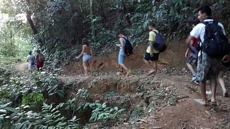 Cachoeira Terceira Dimensão e Tenebroso - Caminhada até o local