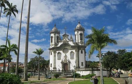 Igreja de São Francisco de Assis - Aos domingos, há missas com música barroca.
