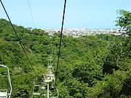 Vista do teleférico- cidade ao fundo