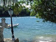 Praia pequena e boa pra quem gosta de mergulhar