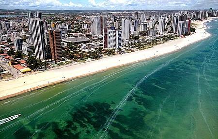 Orla - Paisagem se funde com as praias de Recife