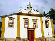 Igreja. Uma das muitas construções.