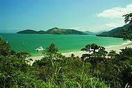 Praia da Enseada é uma das mais belas