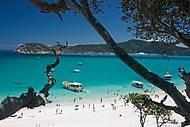 Imagem espetacular da praia do Forno, em Arraial do Cabo