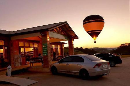 Lojinha, restaurante, café... e belo cenário