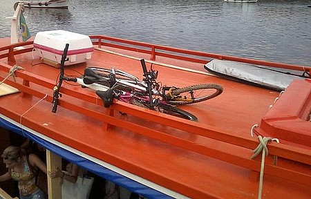 Pier no retorno - Bikes no barco.