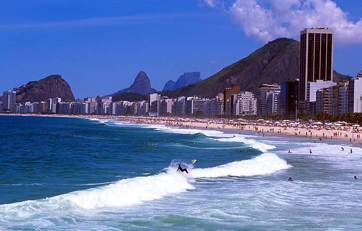 Do Caminho dos Pescadores avista-se as praias do Leme e de Copacabana