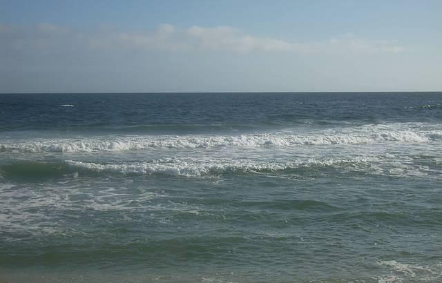 Mar Azul e Areia Branquinha