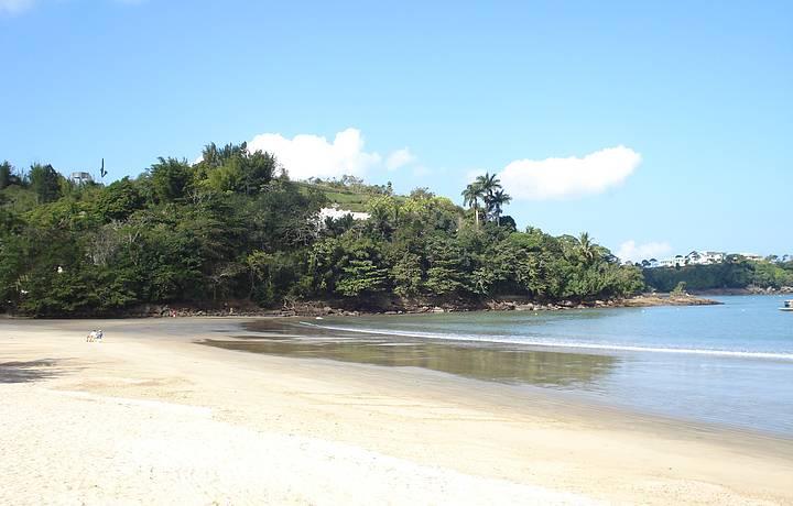 Manhã na praia do Perequê Mirim.