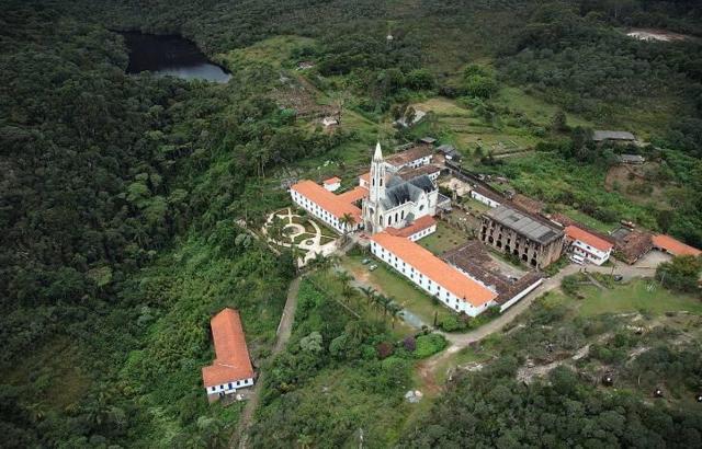 Vista aérea revela toda a beleza do Santuário
