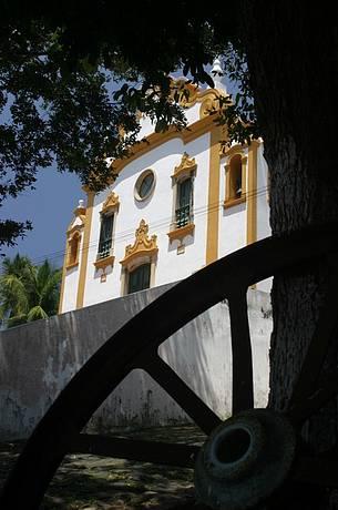 Vila cresceu ao redor da antiga igrejinha