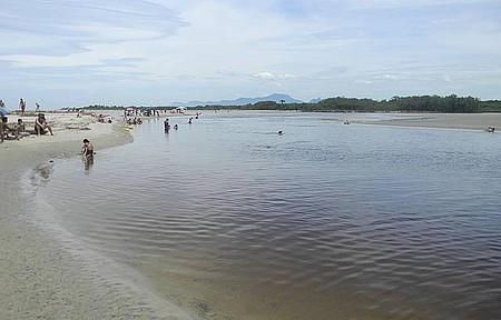 Barra do Una - Camping com praia , rio e cachoeira ....