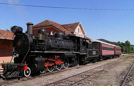 Estação ferroviária - Partindo à todo vapor