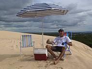Meu escrit�rio � nas dunas t� sempre na areia.