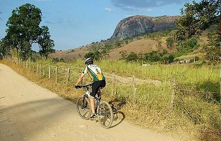 Esportes e Ecoturismo - Trilhas planas são perfeitas para pedalar