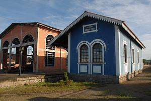 Museu Ferroviário: Espaço funciona na estação de onde parte Maria Fumaça  -