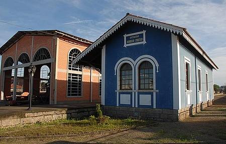 Museu Ferroviário - Espaço funciona na estação de onde parte Maria Fumaça