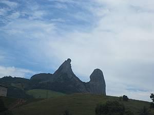 Pedra do Frade e a Freira: Cartão-postal da região<br>