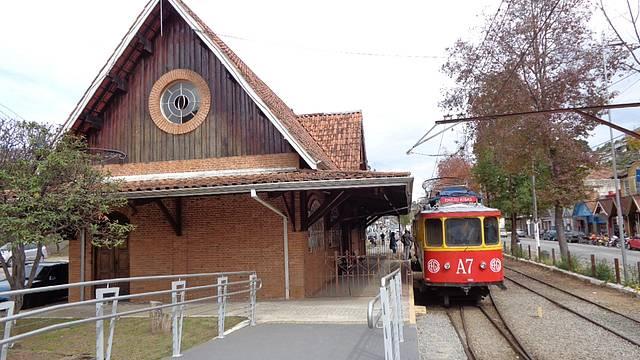 Bons Passeios de Trens e Bondes