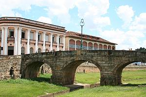 São João del Rei: Cartão-postal reúne Ponte da Cadeia e prédios coloniais  -