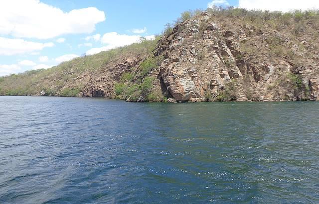 Passeio de Catamaram - Represa de Xing�