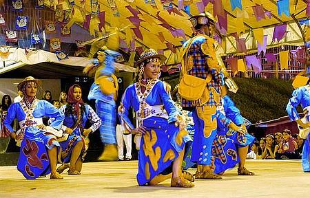 São João - Festa é considerada uma das mais animadas do Nordeste