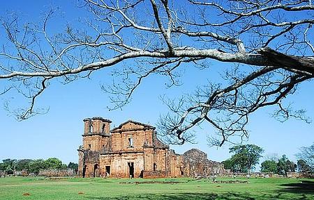 Catedral de São Miguel - Viagem no tempo em meio a ruínas