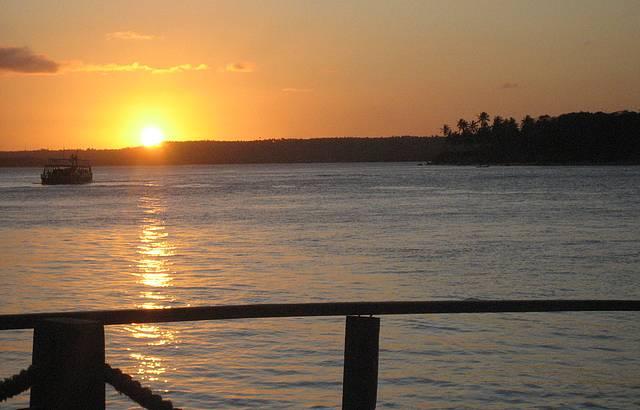 Espl�ndido p�r do Sol na Lagoa de Guara�ras