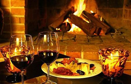 Brindes ao Dia do Vinho - Vinho sempre acompanha a boa mesa