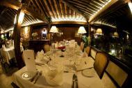 Ambiente aconchegante é perfeito para um jantar a dois