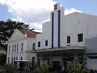 Fachada do Cine Rex e Teatro 4 de Setembro