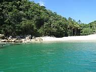 Chegada a Praia dos Meros! Mar verde esmeralda!